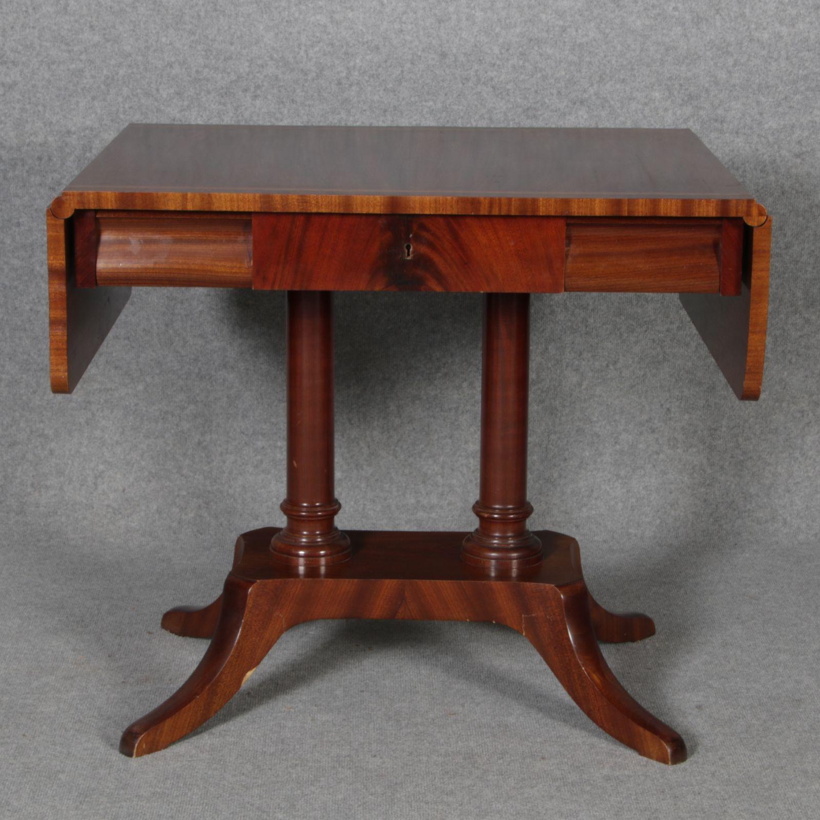 antiker tisch tische barocktisch biedermeiertisch. Black Bedroom Furniture Sets. Home Design Ideas