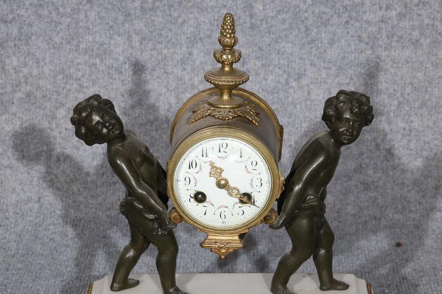Uhren In Gosser Auswahl